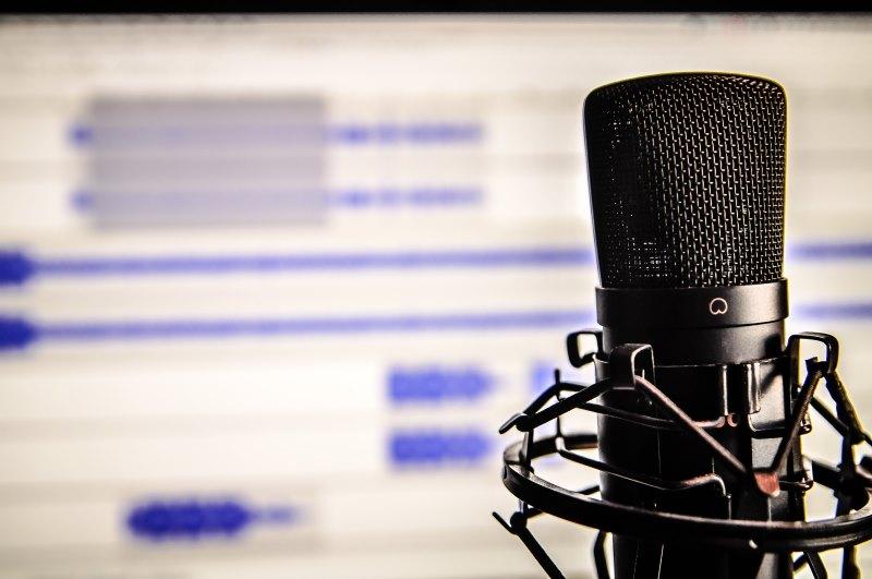 7 Reasons Why I Love Audiobooks: Audiobook Narrators